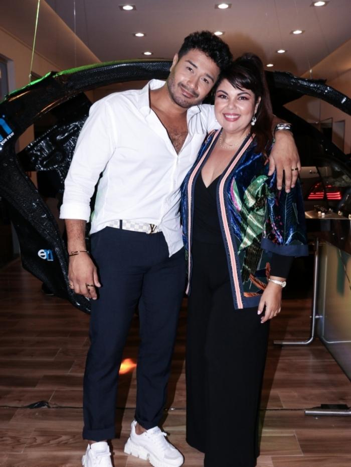 Fabiana Karla participa de evento ao lado do noivo Diogo Melo