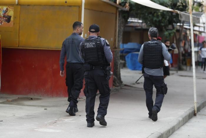 Delegacia de Homicídios fez diligência no local do crime, em Realengo