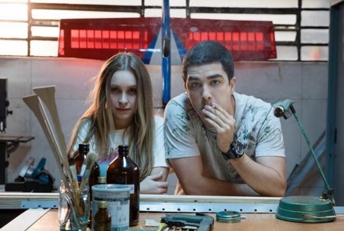 Suzane Von Richthofen (Carla Diaz) e Daniel Cravinhos (Leonardo Bittencourt)