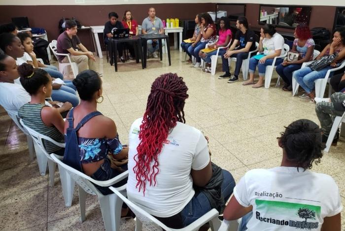 O projeto Recriando Raízes, em Costa Barros, nasceu com o objetivo de atender jovens da Pedreira