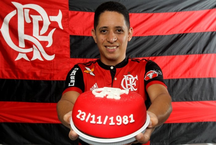 Bruno nasceu poucas horas antes do título da Libertadores de 1981: rubro-negro quer um aniversário especial