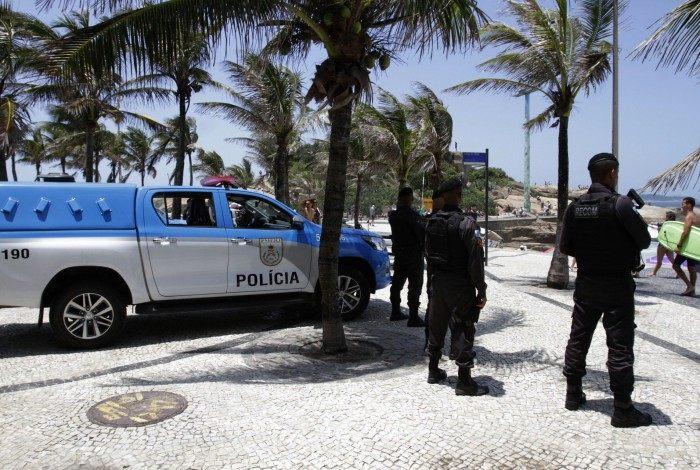 PMs patrulham a Praia do Arpoador: ação vai do Flamengo ao Recreio