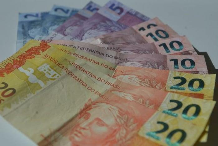 Feirões devem ajudar o brasileiro a renegociar suas dívidas