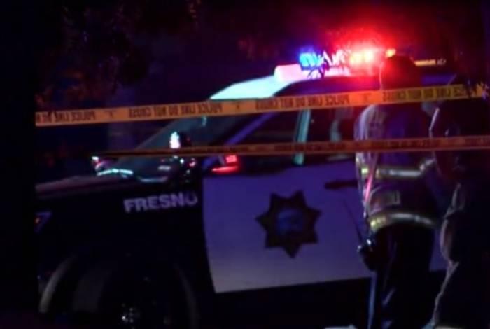 Atirador deixa pelo menos quatro mortos em festa na Califórnia