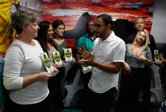 Indicados ao Troféu Delícias da Baixada participaram de live no Estúdio O DIA, onde foram premiados