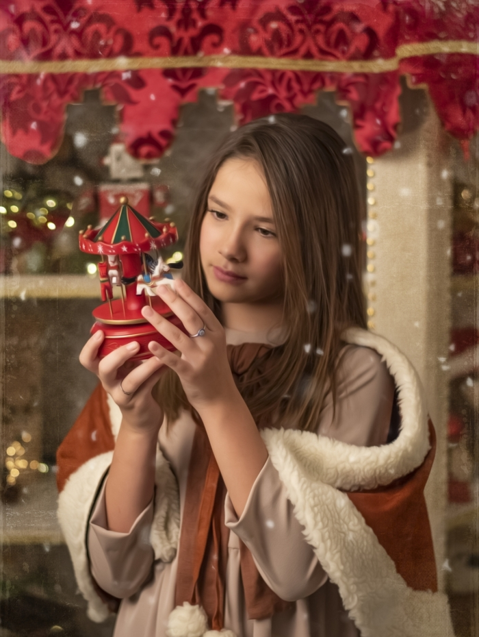Clara Galinari posa em clina de Natal