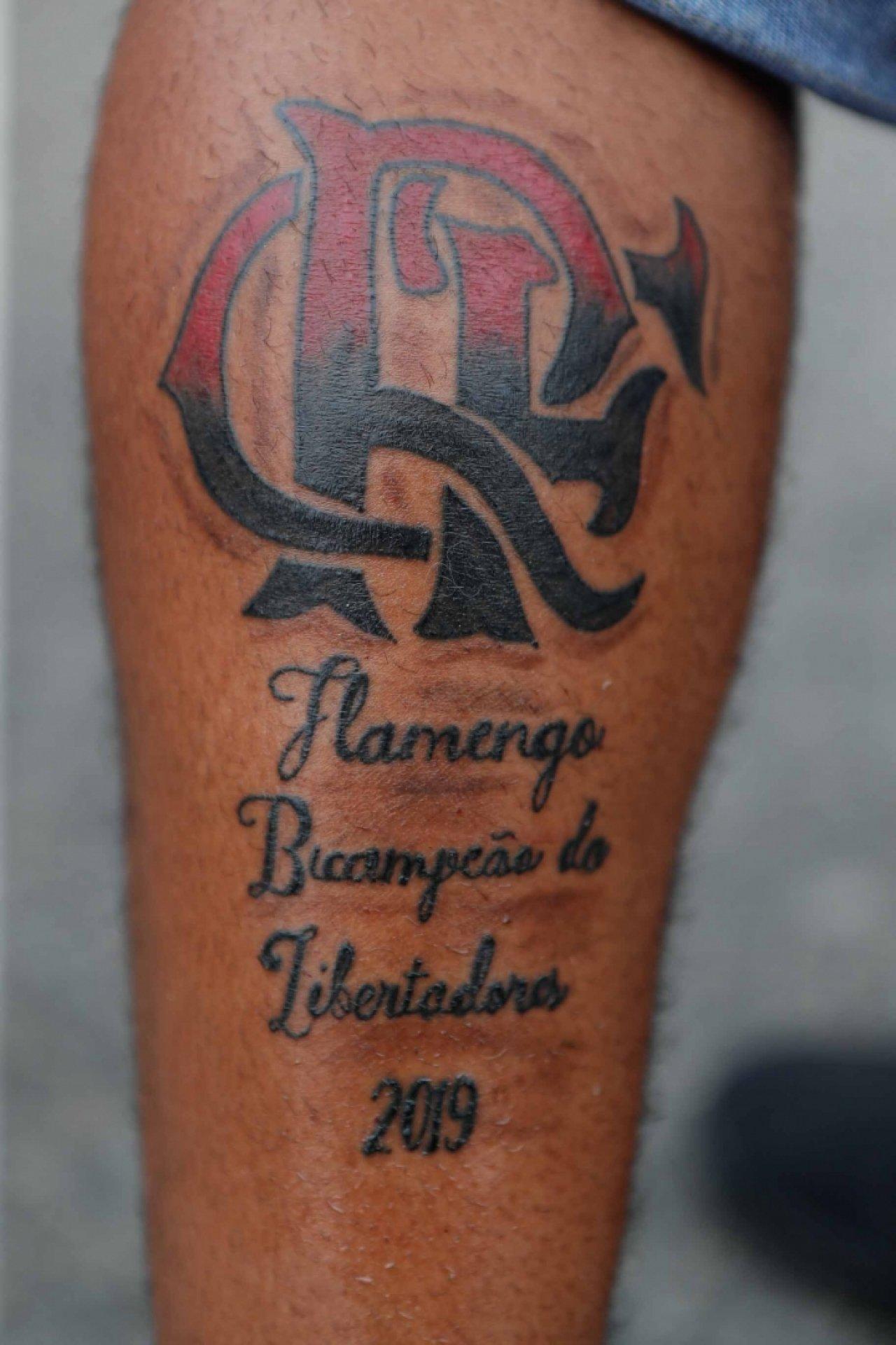 Torcedor Do Flamengo Faz Tatuagem Em Referência Ao Bi Da