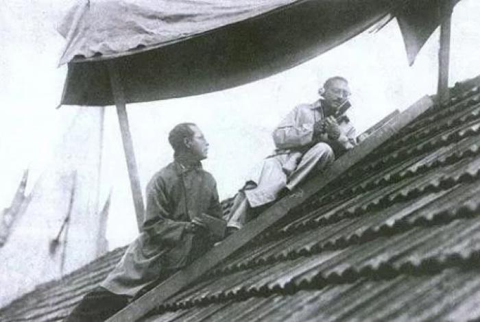 Proibido de entrar em São Januário, o flamenguista Ary Barroso subiu no telhado para narrar jogos
