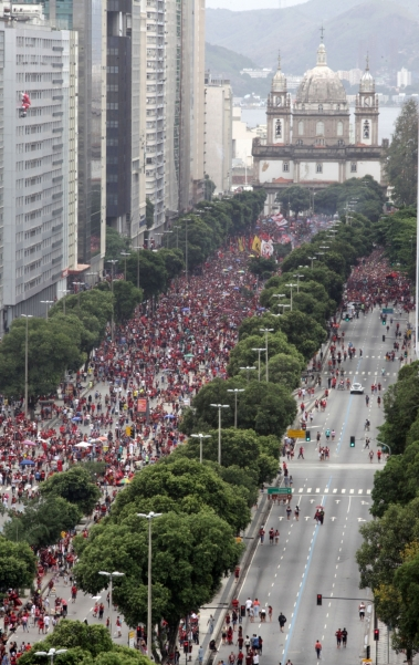 Rio, 24/11/2019  - Festa de comemoracao do time do Flamengo, campeao da taca libertadores da America 2019. Av. Presidente Vargas, Centro  do Rio,  Foto: Ricardo Cassiano/Agencia O Dia
