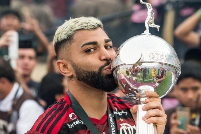 Gabigol comemora o título da Copa Libertadores 2019
