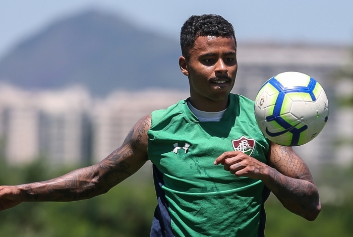 Allan no treino do Fluminense