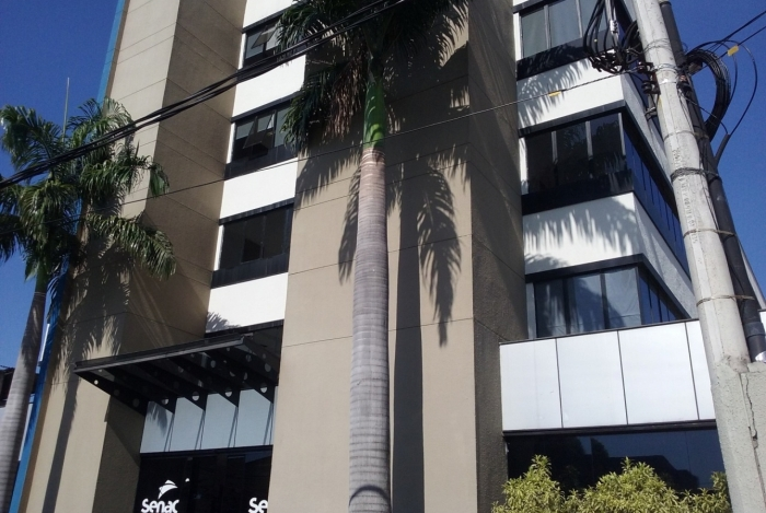 O prédio de 4 andares recebeu ampliação de 19 novos ambientes