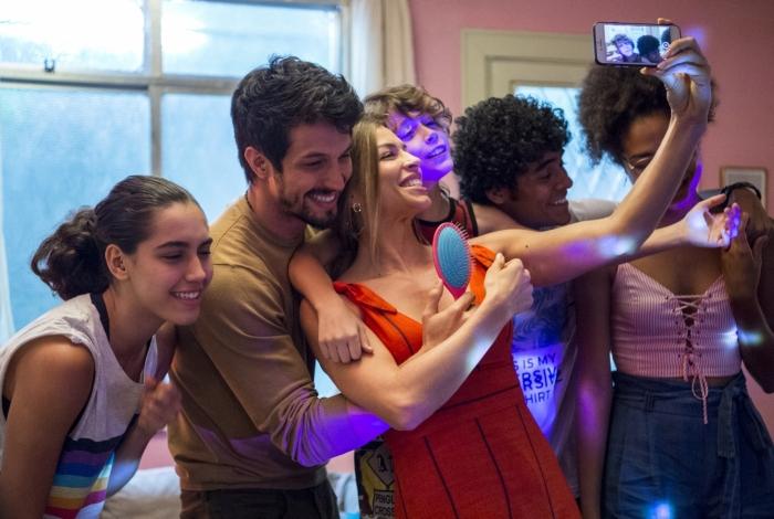 Gabriela (Giovanna Coimbra), Marcos (Romulo Estrela), Paloma (Grazi Massafera), Peter (João Bravo), Luan (Igor Fernandez) e Alice (Bruna Inocêncio)