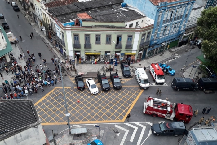 Sequestro parou a Lapa. Polícia cercou a área e iniciou as negociações (destaque)