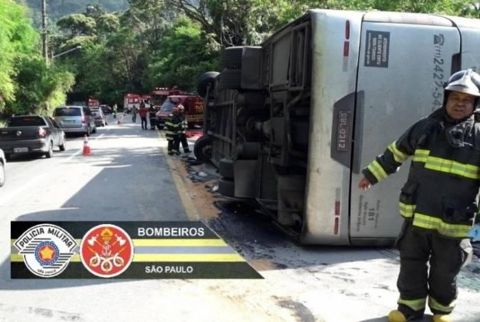 De acordo com os Bombeiros, 20 jovens sofreram ferimentos leves e outros 29 estão ilesos