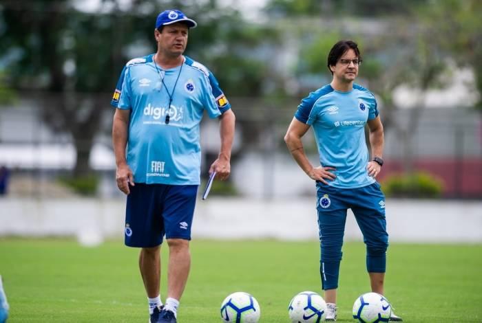 Adilson Batista, técnico do Cruzeiro: difícil missão de salvar a Raposa no Campeonato Brasileiro