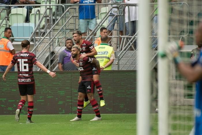 Flamengo venceu o Palmeiras por 3 a 1