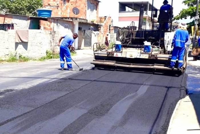 Duque de Caxias realiza melhorias em vias da cidade