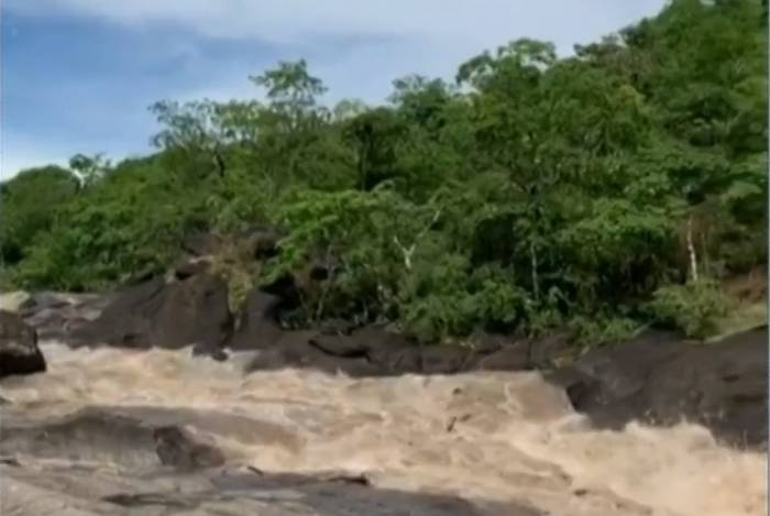 Nesta época do ano é comum a ocorrência de enxurrada na região da Chapada dos Veadeiros por causa das chuvas fortes e localizadas