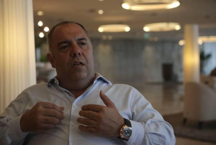 Vice-presidente de futebol do Flamengo comentou a saída do lateral direito e possíveis investidas no mercado