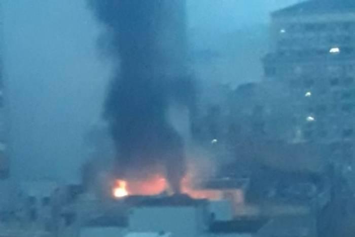 Cobertura pega fogo no Centro do Rio