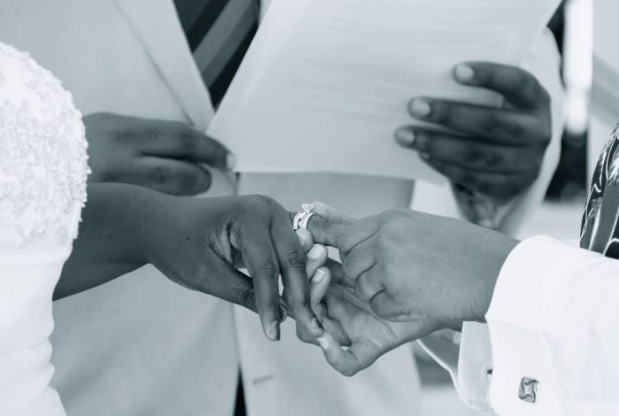Mulheres puxaram a tendência de alta nos casamentos entre pessoas do mesmo sexo, com um aumento de 64,2%