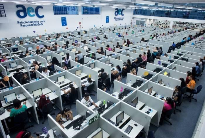 Empresa de telemarketing AeC oferece 700 vagas até janeiro
