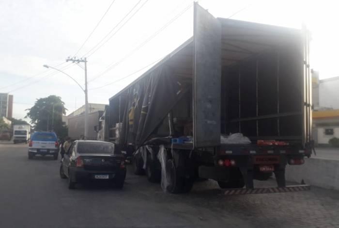 Caminhão de cargas foi recuperado na comunidade Kelson's, nesta quarta-feira