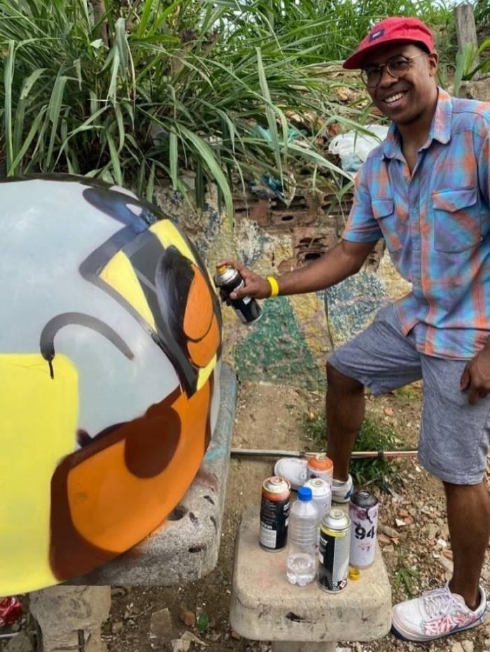 Airá O Crespo é grafiteiro há 20 anos e explica sua arte: