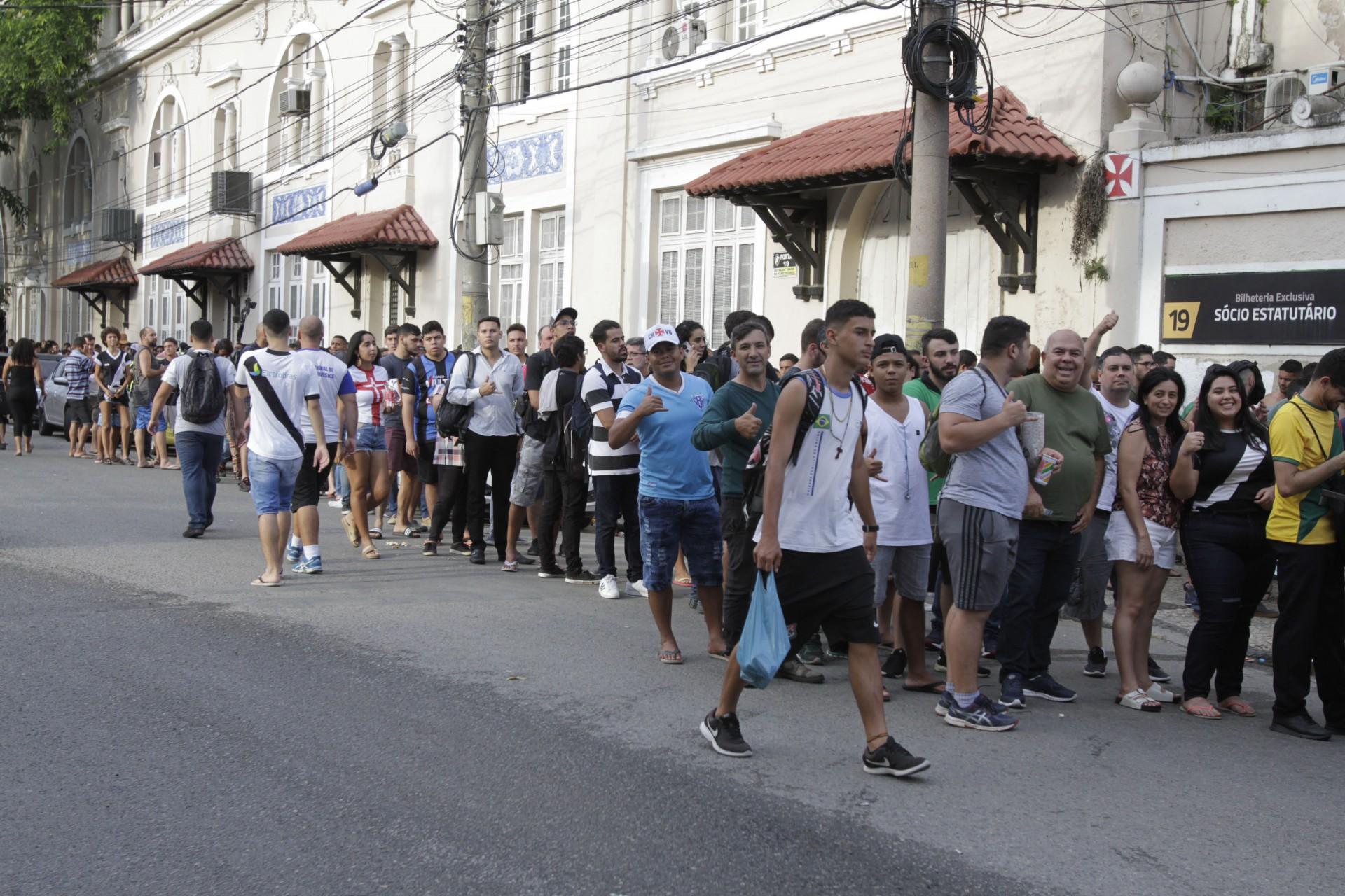 Com ingressos a R$ 250, Vasco detalha serviço para a volta do público contra o Cruzeiro