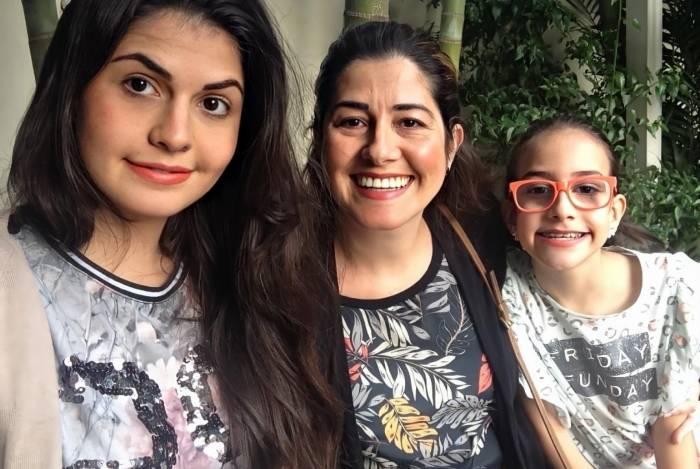 Carla Espino e as filhas Giulia, 24 anos, e Valentina, 12: sem preferência.