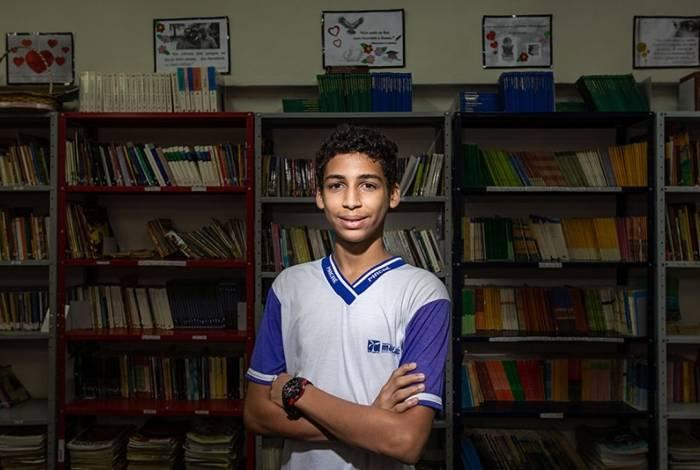 João Henrique Mendes da Costa é aluno da Escola Municipalizada Polivalente Anísio Teixeira da Costa, no bairro Costa do Sol