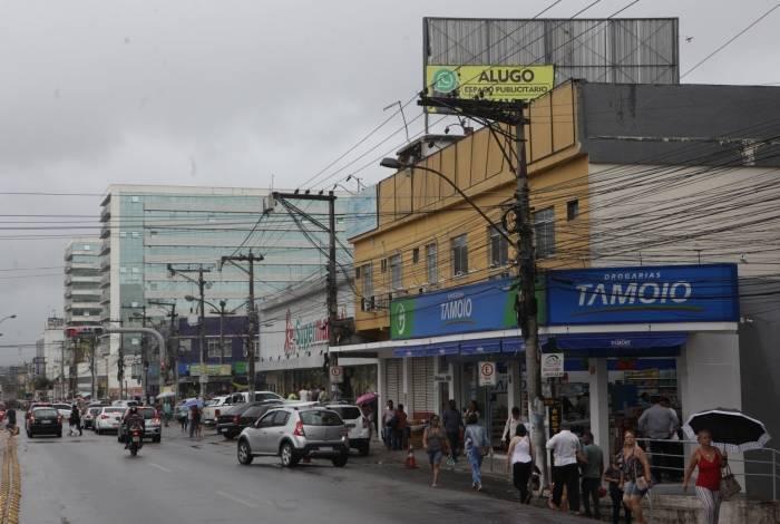 Rio, 06/12/2019 -  ESPECIAL - Economia, retomada do crescimento do comercio. Construção abandonada. Niterói - Manilha, Itaboraí. Foto: Ricardo Cassiano/Agência O Dia