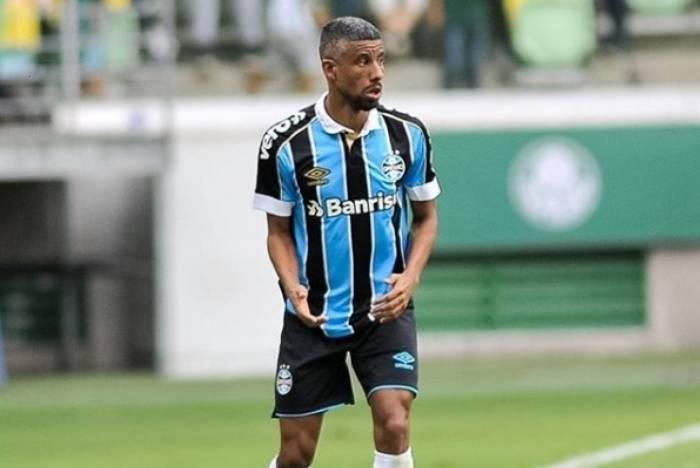 Léo Moura atuando pelo Grêmio