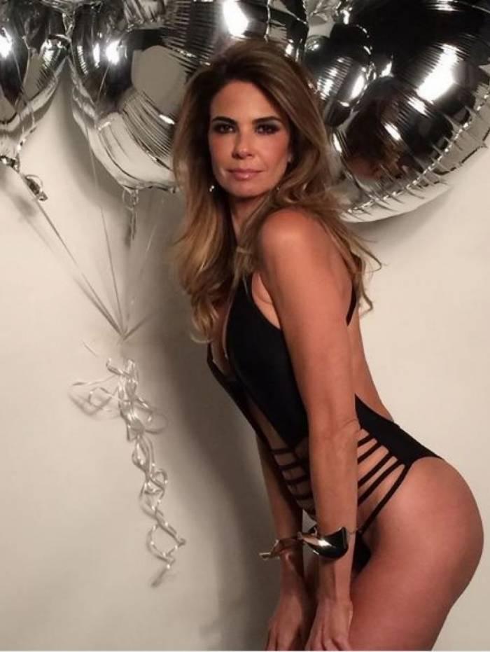 Luciana Gimenez sensualiza no Instagram