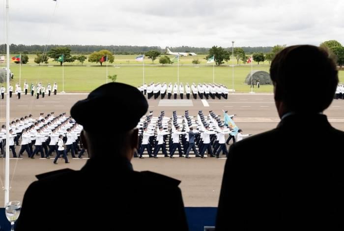 O presidente Jair Bolsonaro, participa da solenidade de promoção dos Novos Aspirantes a Oficial da Força Aérea Brasileira.