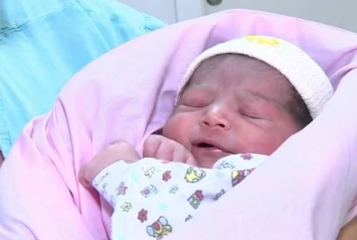 Bebê chileno nasceu dentro do avião e passa bem