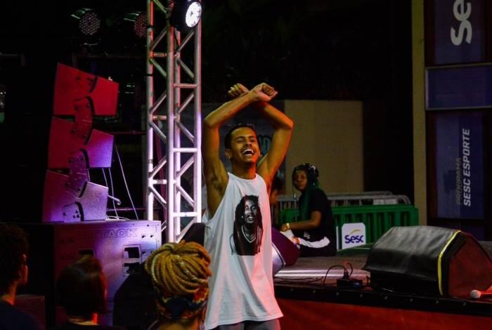 O estudante Da Costa, de 17 anos, venceu a batalha de poesia do Sesc RJ abordando racismo e opressão da população negra