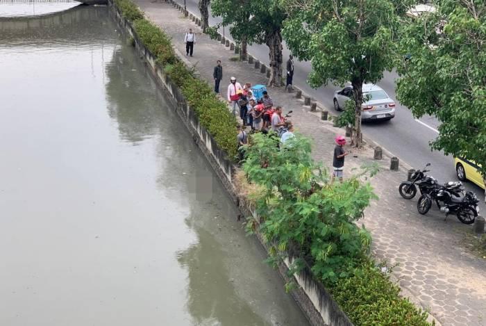 Corpo é encontrado boiando no Canal do Mangue