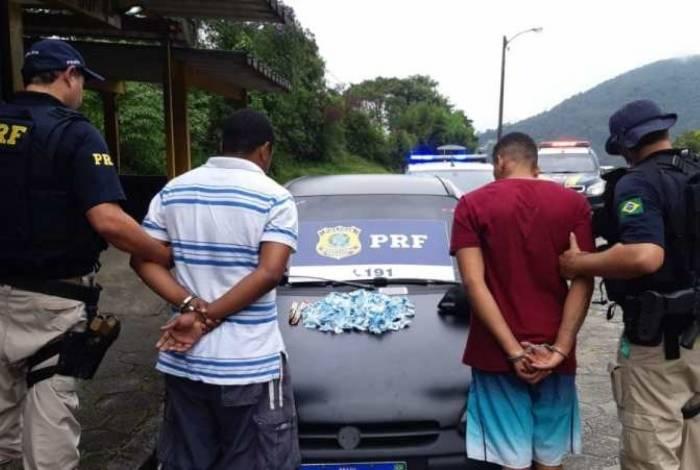 Dois homens foram detidos por tráfico de drogas