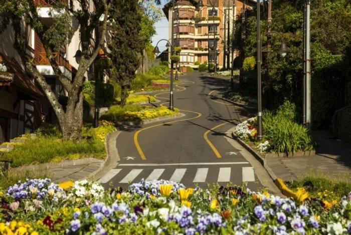 Rua Torta, em Gramado (RS)
