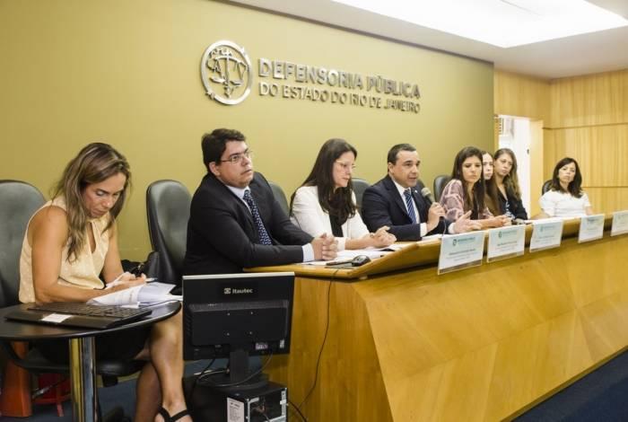 MP e Defensoria entraram na Justiça com ação contra a prefeitura exigindo aplicação de R$ 284 milhões contingenciados este ano