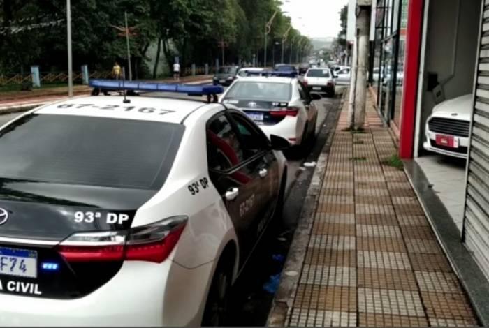 Polícia Civil realiza ação contra agência de carros em Volta Redonda