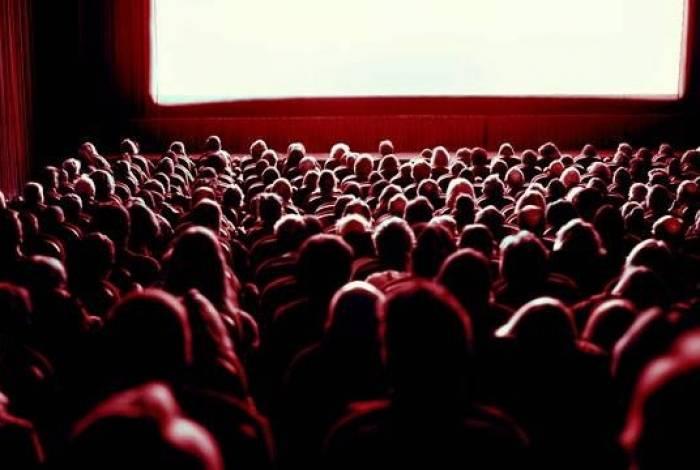 Cinema fica pronto em Saquarema