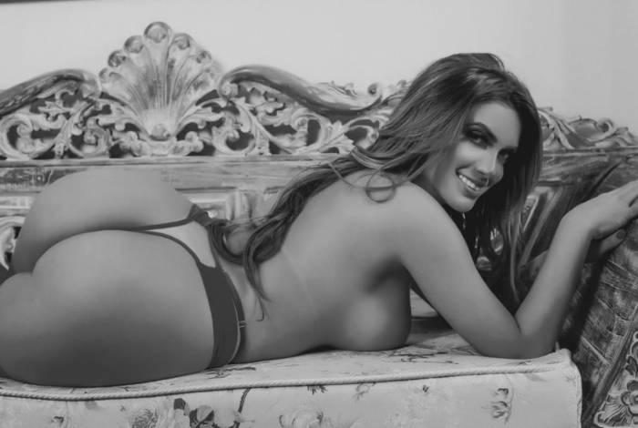 Yanna Oliveira é musa do Internacional