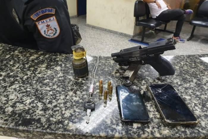 O material apreendido com os criminosos foram encaminhados a 60ºDP (Duque de Caxias)