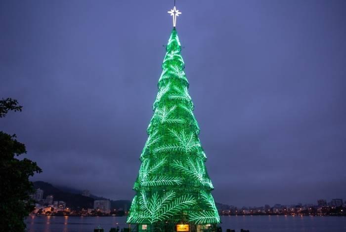 Teste de iluminação: a Árvore da Lagoa tem 900 mil lâmpadas
