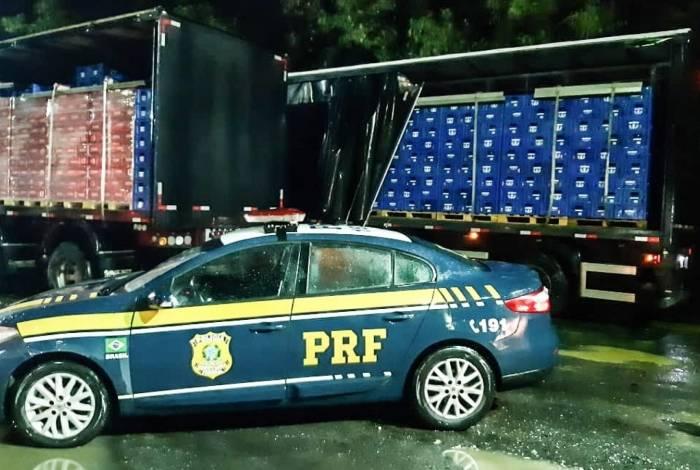 PRF apreende caminhão com cerveja sem nota fiscal válida na BR-393