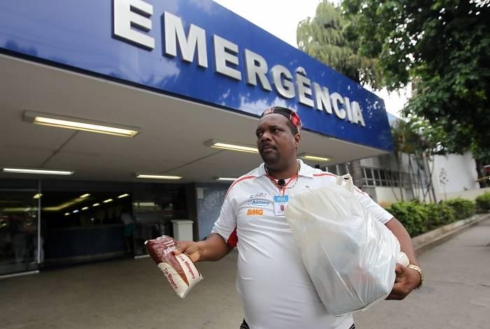 Jorge Luis busca cesta básica