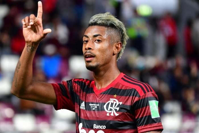 Em meio a negociações por renovação com o Flamengo, empresário de Bruno Henrique encaminha parceria com escritório inglês
